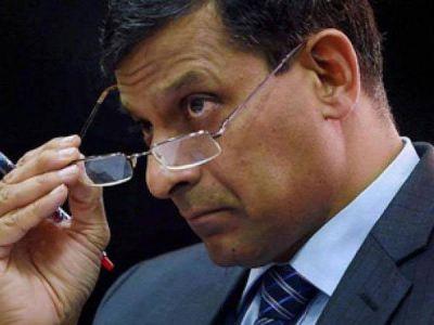 पूर्व आरबीआई गवर्नर रघुराम राजन ने मोदी सरकार पर साधा निशाना, कही यह बात