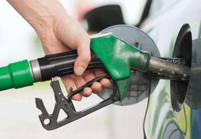 पेट्रोल-डीज़ल की कीमतों में क्या हुआ बदलाव ? यहाँ जानें आज के भाव