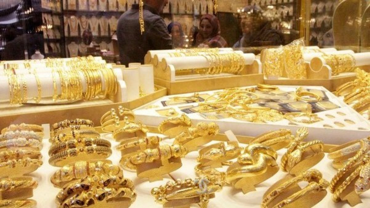 Silver prices fall Rs 2050 today; Gold rates also drop