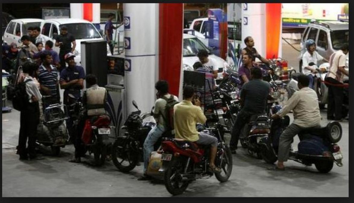 Diesel prices hiked on Tuesday while Petrol on track….check rates inside