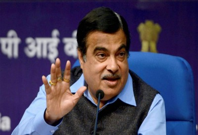 Nitin Gadkari meets Auto Manufacturers, emphasizes on quick roll out of Flex Fuel Vehicles
