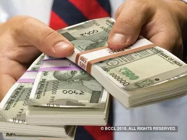 Indian Rupee climbs to 3-week high of 70.84 against US dollar on lower crude price