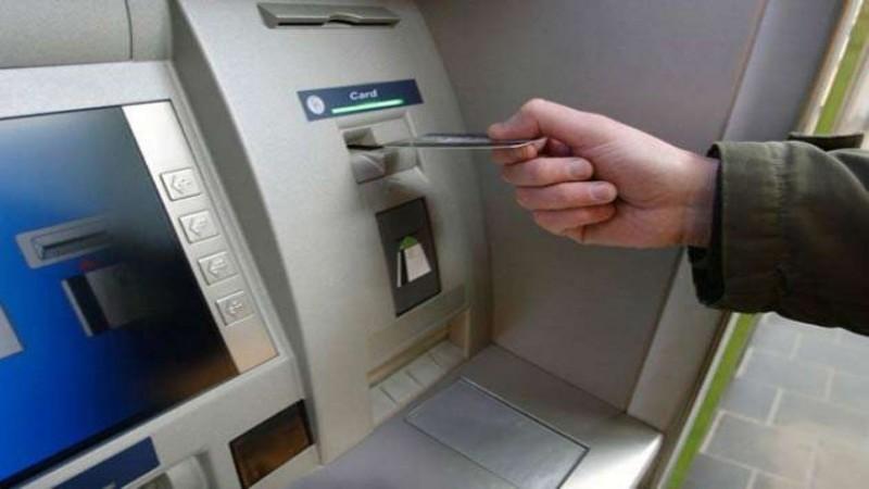 एटीएम विनियम: 1 जनवरी से 20 रुपये के बजाय प्रति लेनदेन 21 रुपये का करना होगा भुगतान