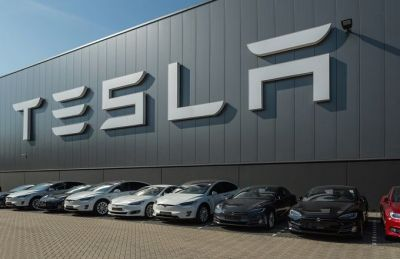 Goldman Sachs downgrades Tesla to 'sell' from a 'neutral' rating, and the stock is falling