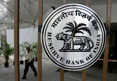 RBI says no limit on cash withdrawal from savings bank accounts