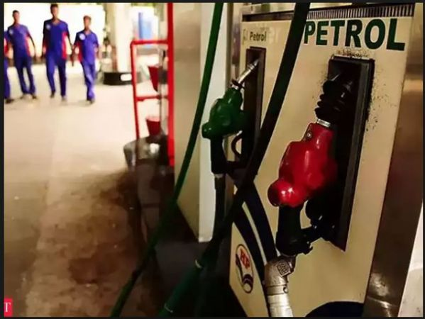 Retail prices of petrol and diesel stagnant across major cities of the country
