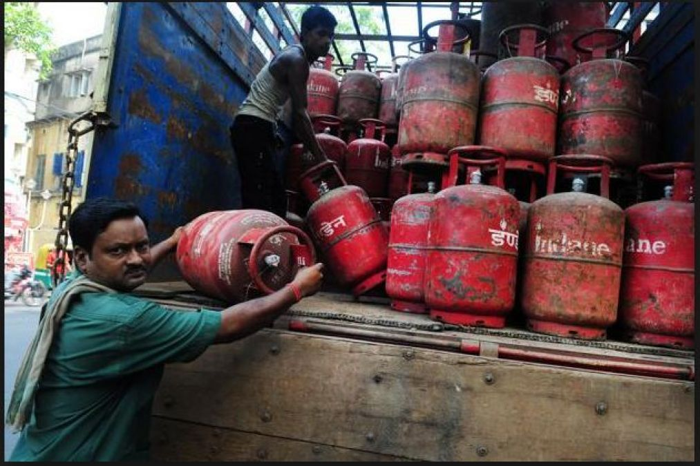 Amid of LokSabha Election Voting, LPG gas prices hiked from May 1, 2019; check current price list here
