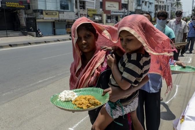 महामारी ने पिछले एक साल में 23 करोड़ भारतीयों को किया बेरोजगार : रिपोर्ट