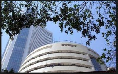 Sensex  recorded a major fall in early trade….read detail inside