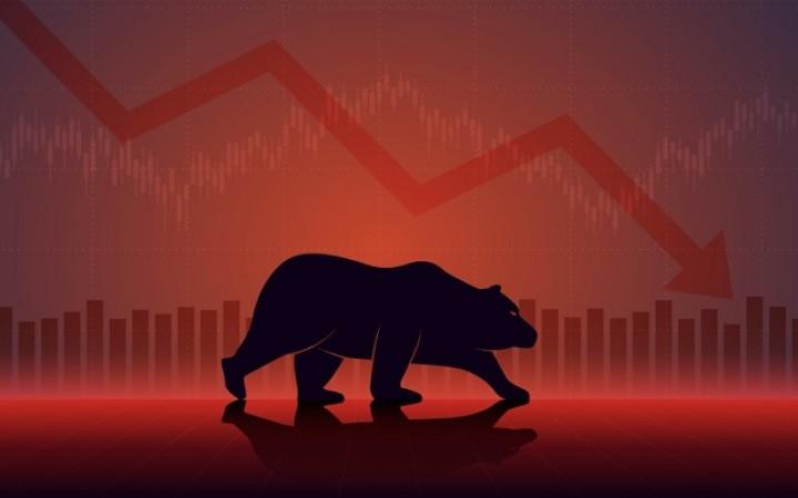 व्यापक बिक्री के दबाव पर सेंसेक्स 1,145-अंक और निफ्टी में आई गिरावट