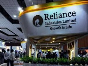 Reliance Industries a decent buy, stock may move to Rs 2000; Gujral