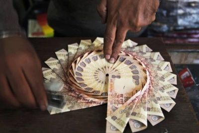 Rupee fly high at 3 paise against US dollar