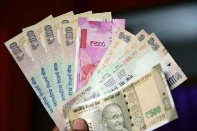 Rupee climbs 11 paise against USD today