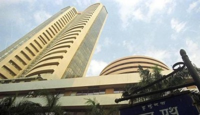 Mid Noon Market Pulse, Sensex cracks 230 points