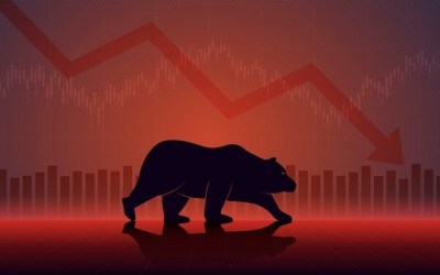 Sensex Falls Over 300 Points, Nifty Ends Below 15,000 Dragged By Metals