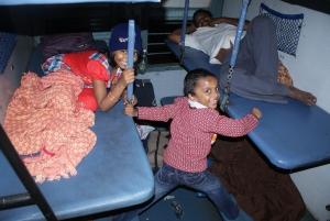 Good News : जनरल के किराए में स्लीपर क्लास में बैठ सकेंगे यात्री