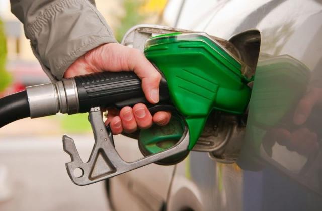 Good News : पेट्रोल और डीजल के दाम फिर घटे