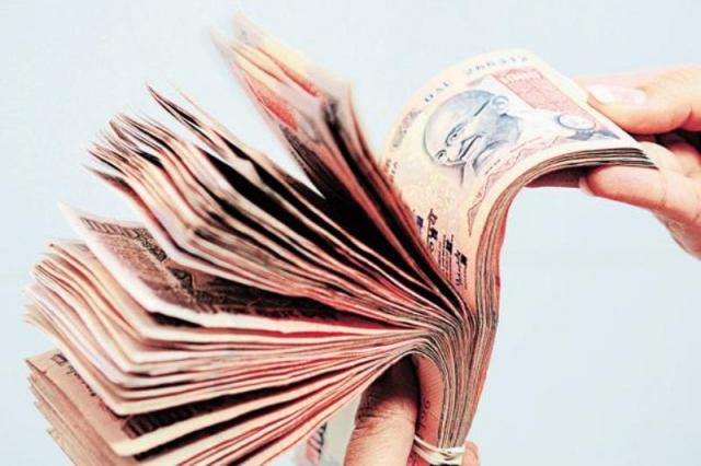 भारतीय मुद्रा का संदर्भ मूल्य 62.40 रुपये प्रति डॉलर