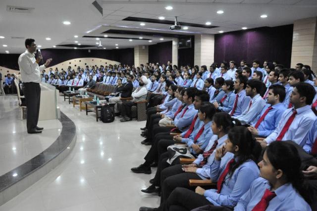 विप्रो अपने कर्मचरियों को दे रहा है 1 करोड रुपये से अधिक के शेयर