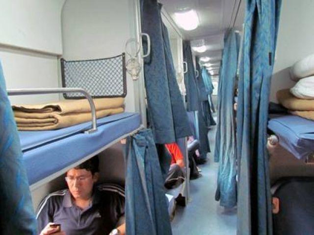 अब रेल यात्री अपने घर पर ले जा सकेंगे तकिया व चादर