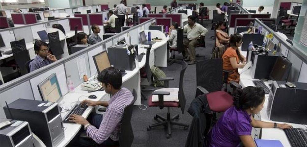 IT सेक्टर में अधिक वेतन तो मैन्युफैक्चरिंग में कम