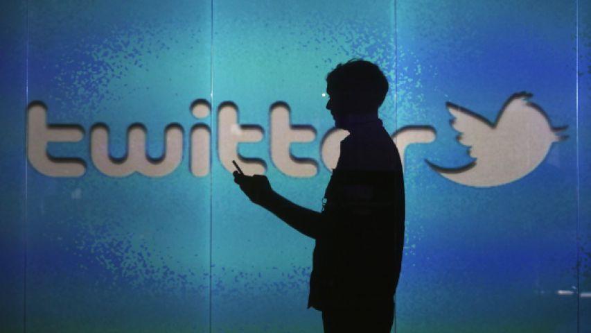 एक Tweet से Twitter को हुआ 31600 करोड़ का नुकसान
