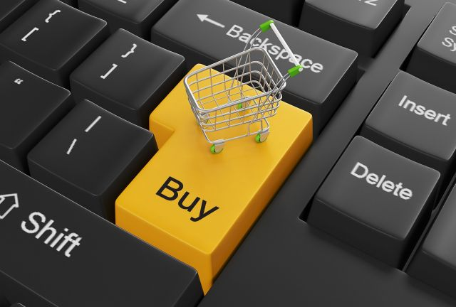 ऑनलाइन शॉपिंग ने कम किया शॉपिंग माल्स का क्रेज