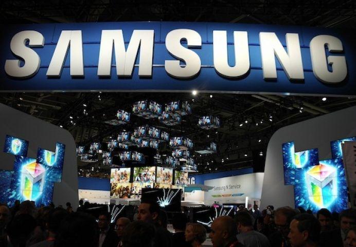 SAMSUNG को मिला मार्केट में पहला स्थान