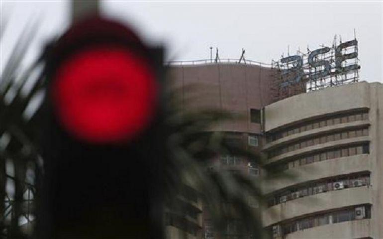 घरेलु बाजार में गिरावट जारी, सेंसेक्स 50 अंक लुढ़का