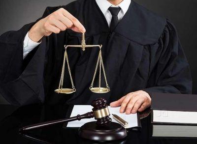 बनना चाहते है वकील तो पढ़ें ये पूरी खबर