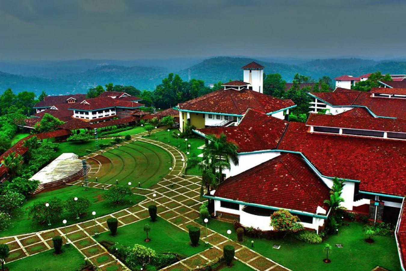 IIM Kozhikode : शैक्षणिक सहयोगी के पद पर वैकेंसी, सैलरी 22000 रु