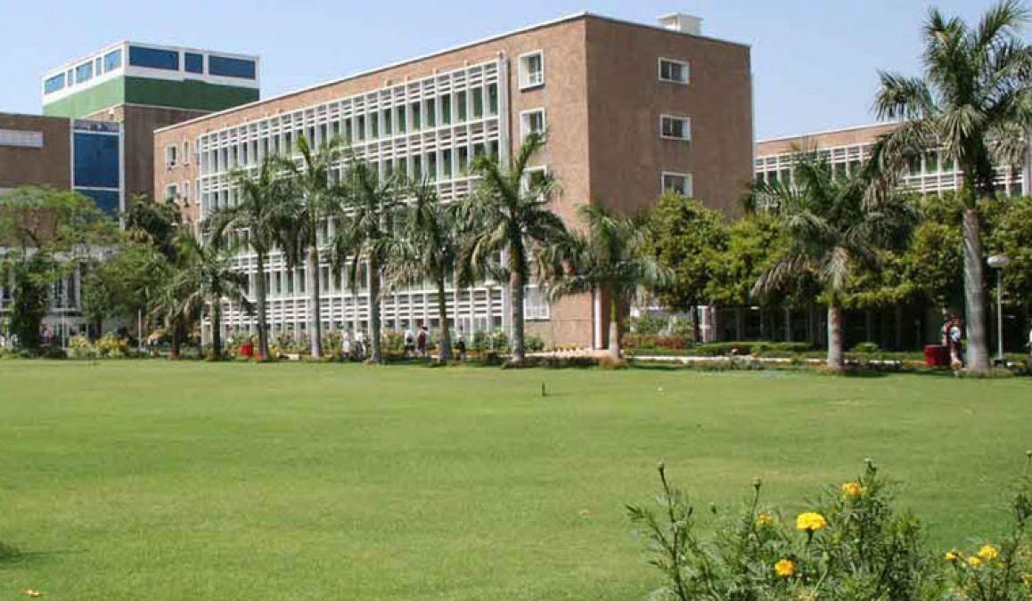 AIIMS Delhi : इन पदों पर जॉब ओपनिंग, सैलरी 60000 रु