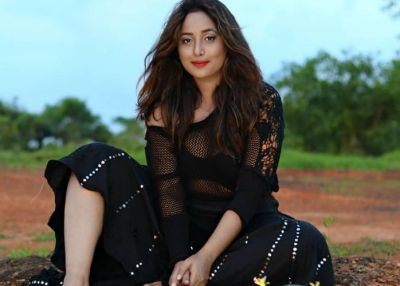Bhojpuri actress Rani Chatterjee flaunts sexy curves in latest photoshoot