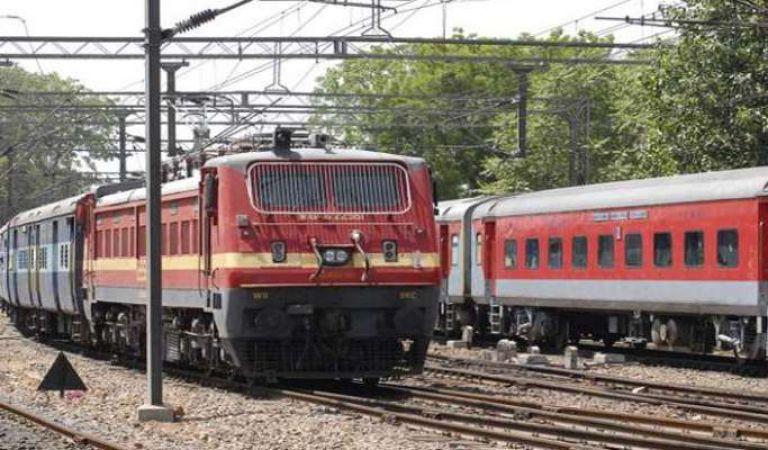 रेलवे में बम्पर वैकेंसी, 2600 पदों के लिए मांगे आवेदन