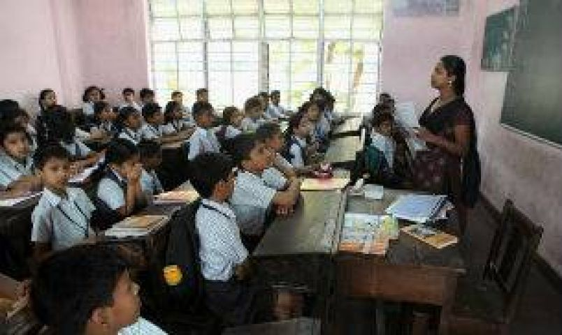 Deputy Chief Minister of Delhi suspends Principal for dirty state of school