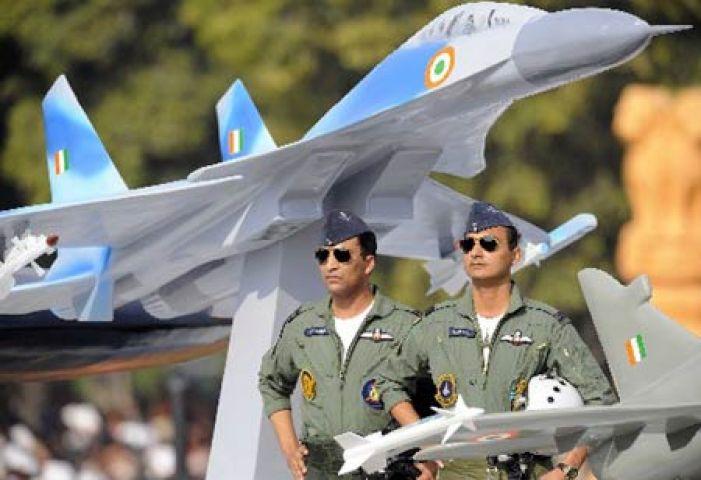 भारतीय नौसेना ने दिया पायलेट बनने का मौका