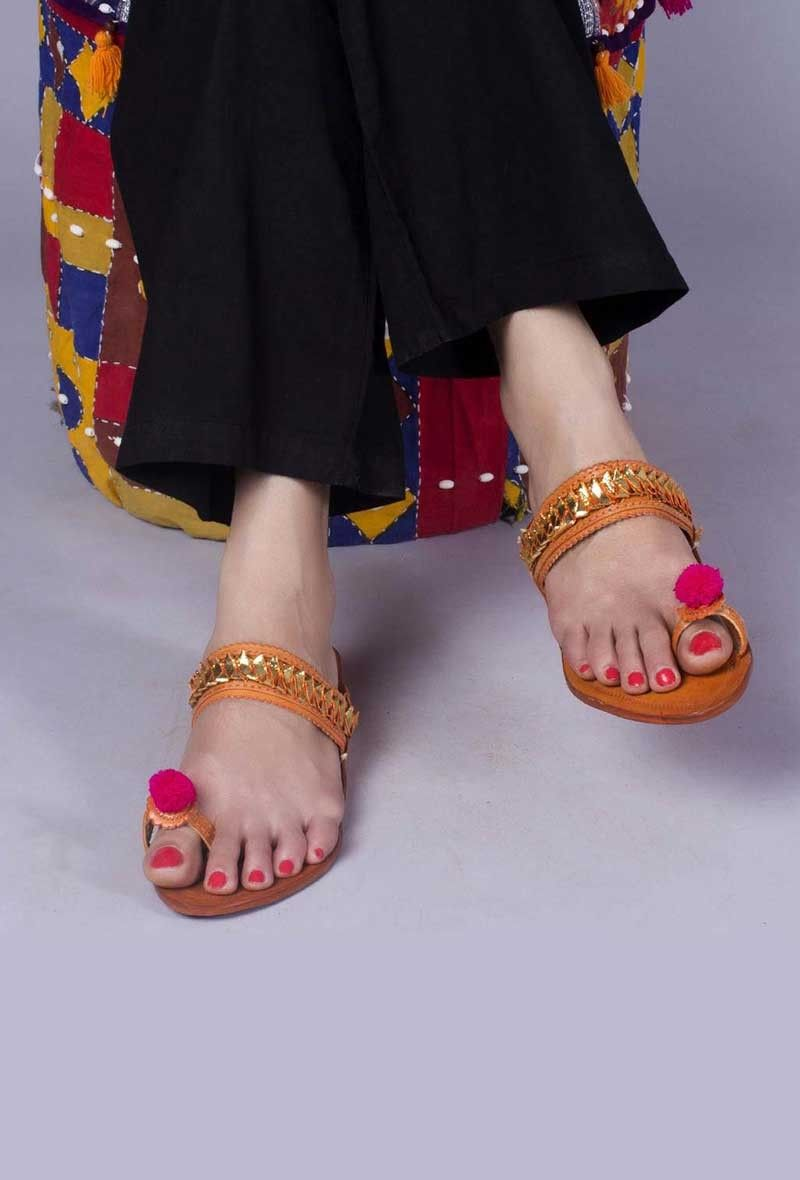 Image result for इन गर्मियों में पहनें ऐसी chaPPAL