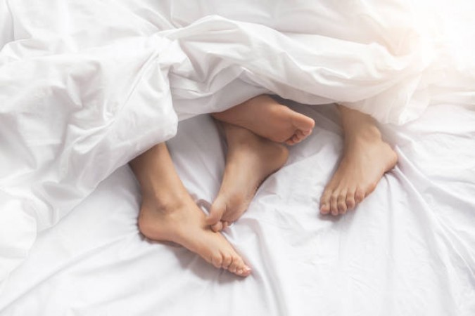 Girl paralyzed while making relationship, couple sue bed company ...