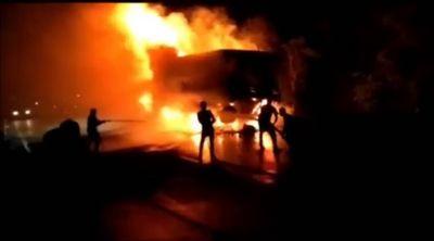 Fire at Ahmedabad Vadodara Expressway disrupts traffic for hours