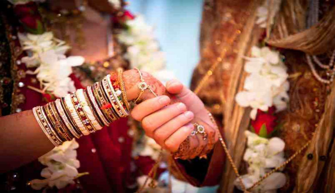 Girl asks Muslim youth to convert to Hinduism and go vegetarian before marriage