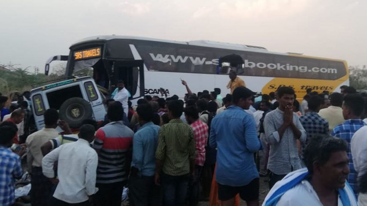 13 Killed, several injured as two vehicles collide in Kurnool district