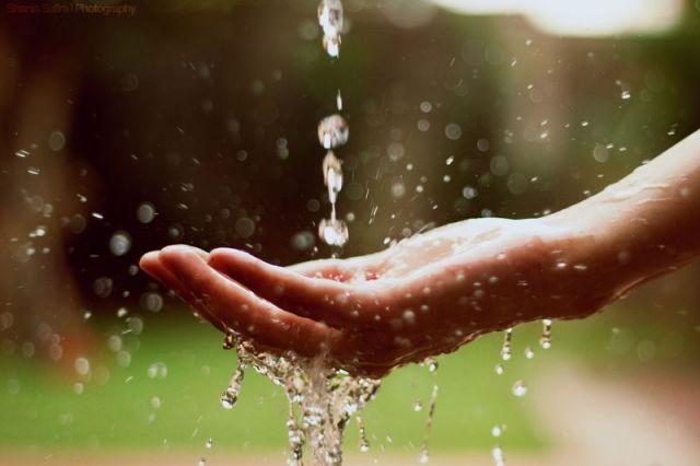 बारिश की बूंदों को सहेजने का करें जतन