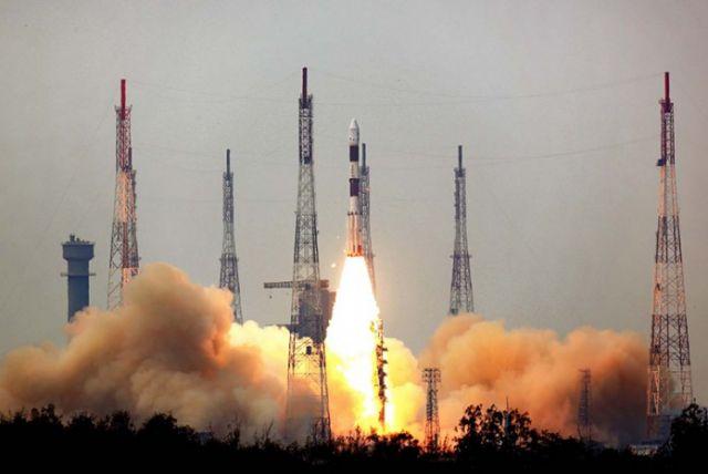 संघर्ष के साथ अंतरिक्ष में भारत की आत्मनिर्भर उड़ान के सफल 50 वर्ष