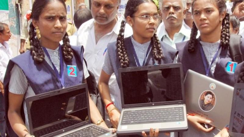 5 लाख छात्रों को मुफ्त वितरित किए जाएंगे लैपटॉप