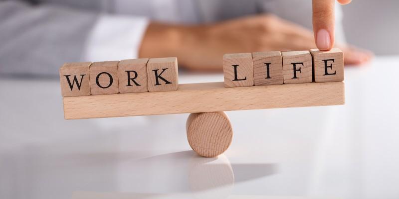 अपने कार्य-जीवन में इस तरह लाए संतुलन