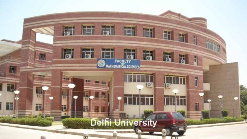 Apply for the post of Assistant officer in Delhi University