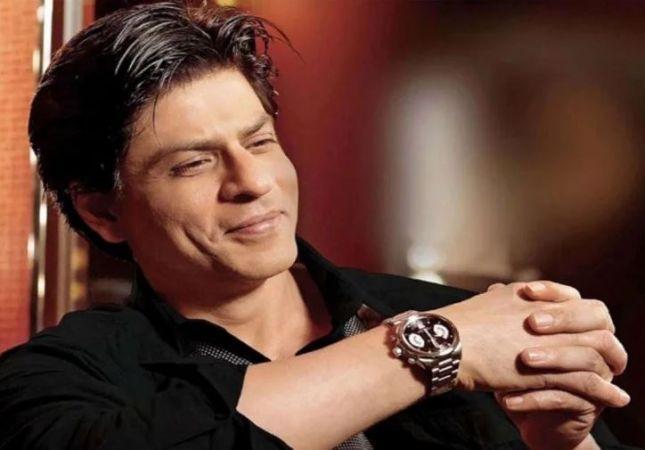 शाहरुख़ ने किया अगली फिल्म के किरदार का खुलासा, बनेंगे सेक्सी पिता
