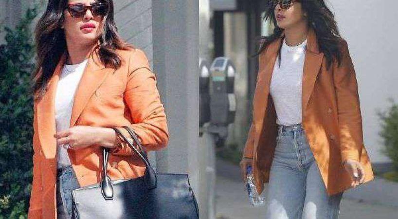 न्यूयॉर्क की सड़कों पर अकेले घूमती नजर आई प्रियंका, ख़ास कपड़ों में दिखा स्टनिंग लुक