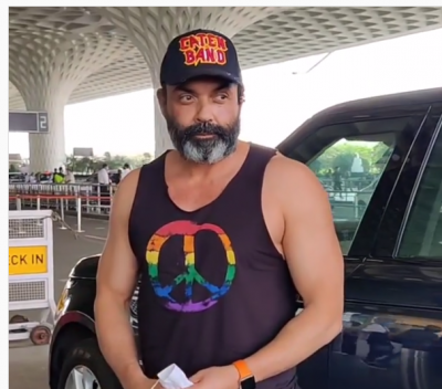 Bobby Deol gets trolled for wearing vest, people say, 'Elder brother sold clothes..'