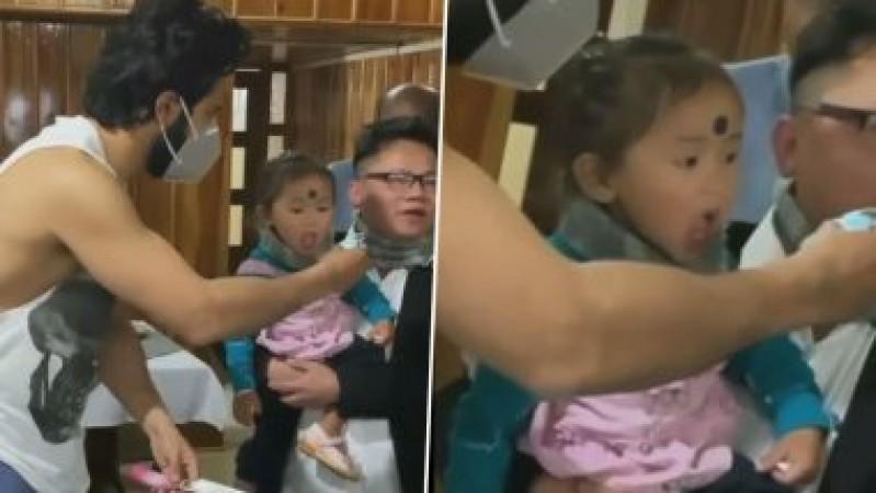 वरुण धवन ने जब बच्ची को नहीं खिलाया केक तो वीडियो हो गया वायरल